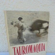 Libros de segunda mano: TAUROMAQUIA. TEXTOS DE NESTOR LUJAN. FOTOS DE F. CATALA ROCA. EDICIONES NAUTA. 1968.. Lote 210439422