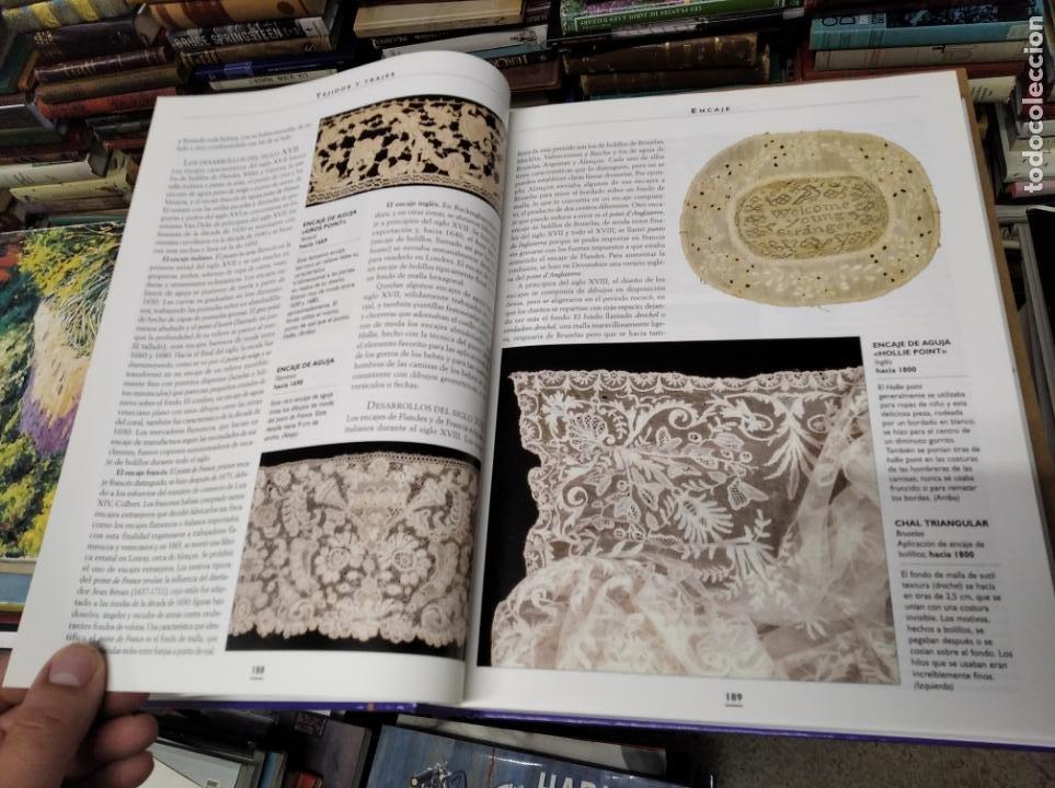 Libros de segunda mano: HISTORIA ILUSTRADA DE LAS ANTIGÜEDADES. HUON MALLALIEU . ED. LIBSA. 2000. RELOJES, JUGUETES, ARMAS - Foto 20 - 210702695