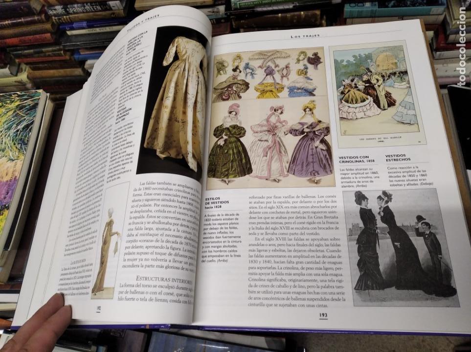 Libros de segunda mano: HISTORIA ILUSTRADA DE LAS ANTIGÜEDADES. HUON MALLALIEU . ED. LIBSA. 2000. RELOJES, JUGUETES, ARMAS - Foto 21 - 210702695