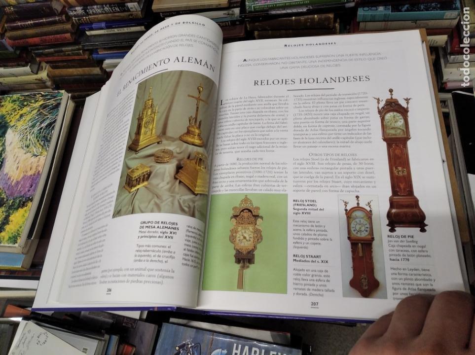Libros de segunda mano: HISTORIA ILUSTRADA DE LAS ANTIGÜEDADES. HUON MALLALIEU . ED. LIBSA. 2000. RELOJES, JUGUETES, ARMAS - Foto 22 - 210702695