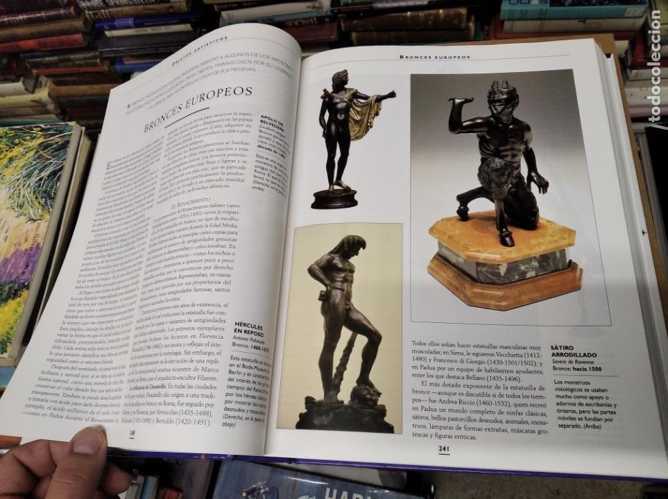 Libros de segunda mano: HISTORIA ILUSTRADA DE LAS ANTIGÜEDADES. HUON MALLALIEU . ED. LIBSA. 2000. RELOJES, JUGUETES, ARMAS - Foto 28 - 210702695