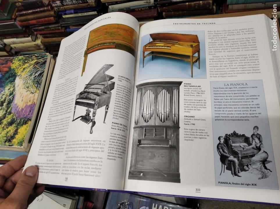 Libros de segunda mano: HISTORIA ILUSTRADA DE LAS ANTIGÜEDADES. HUON MALLALIEU . ED. LIBSA. 2000. RELOJES, JUGUETES, ARMAS - Foto 36 - 210702695