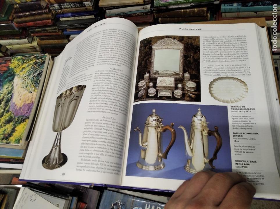 Libros de segunda mano: HISTORIA ILUSTRADA DE LAS ANTIGÜEDADES. HUON MALLALIEU . ED. LIBSA. 2000. RELOJES, JUGUETES, ARMAS - Foto 39 - 210702695