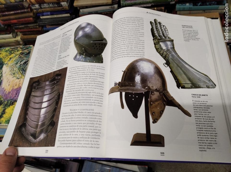Libros de segunda mano: HISTORIA ILUSTRADA DE LAS ANTIGÜEDADES. HUON MALLALIEU . ED. LIBSA. 2000. RELOJES, JUGUETES, ARMAS - Foto 58 - 210702695