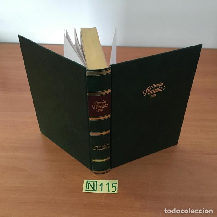 UN MILAGRO EN EQUILIBRIO (Libros de Segunda Mano (posteriores a 1936) - Literatura - Otros)