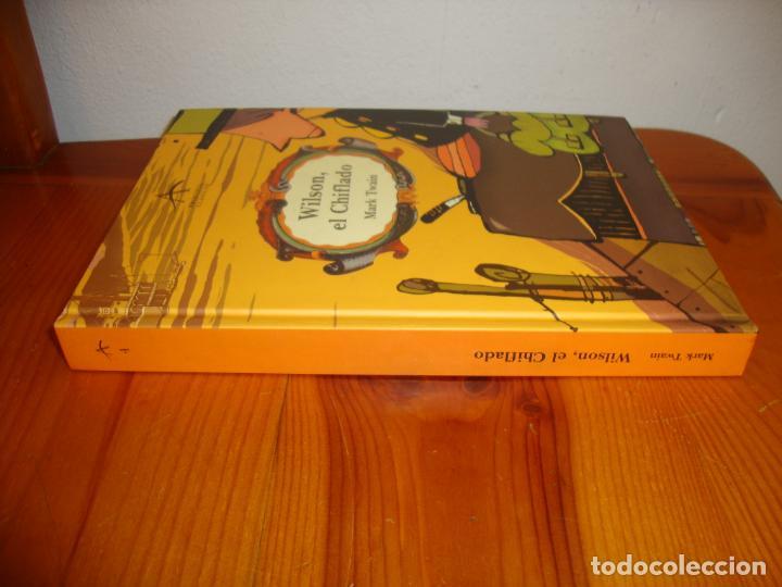 Libros de segunda mano: WILSON, EL CHIFLADO - MARK TWAIN / JORDI SALES - ALBA - ILUSTRADO, MUY BUEN ESTADO - Foto 2 - 211436601