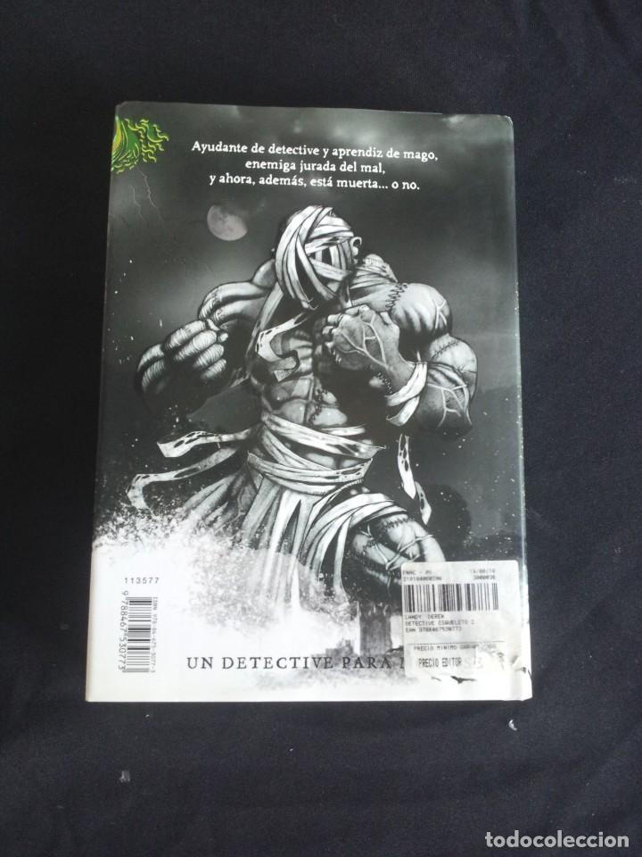 Libros de segunda mano: DEREK LANDY - SKULDUGGERY PLEASANT, DETECTIVE ESQUELETO (5 LIBROS) - EDICIONES SM 2007/11 - Foto 3 - 212482520