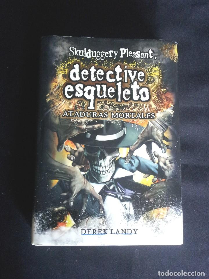 Libros de segunda mano: DEREK LANDY - SKULDUGGERY PLEASANT, DETECTIVE ESQUELETO (5 LIBROS) - EDICIONES SM 2007/11 - Foto 10 - 212482520
