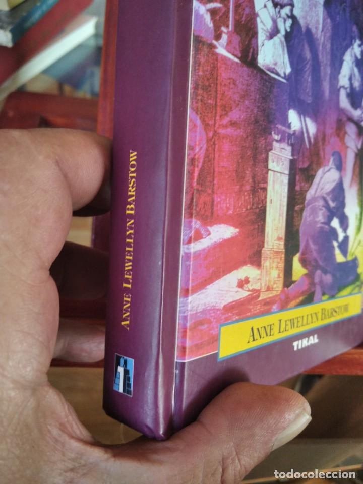 Libros de segunda mano: LA CAZA DE LAS BRUJAS-HISTORIA DE UN HOLOCAUSTO-ANNE LEWELLYN BARSTOW-TIKAL - Foto 3 - 213565747