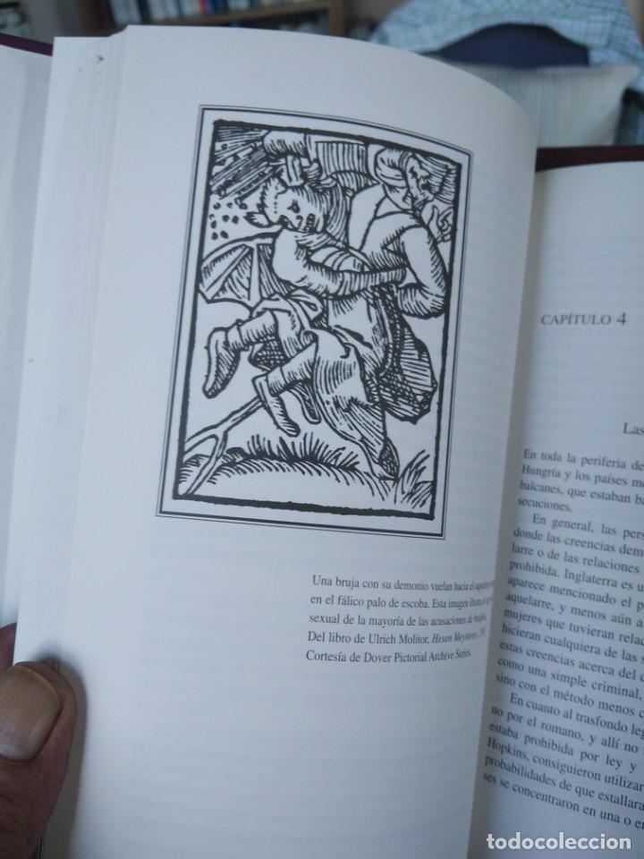Libros de segunda mano: LA CAZA DE LAS BRUJAS-HISTORIA DE UN HOLOCAUSTO-ANNE LEWELLYN BARSTOW-TIKAL - Foto 10 - 213565747
