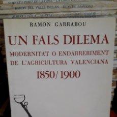 Libros de segunda mano: UN FALS DILEMA. Lote 213861907