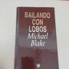 Libros de segunda mano: BAILANDO CON LOBOS. Lote 214312822