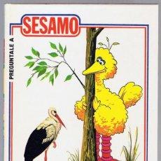Libros de segunda mano: PREGUNTALE A SESAMO. Lote 214984815