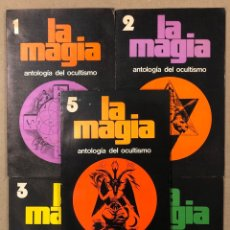 Libros de segunda mano: LA MAGIA DEL OCULTISMO, ANTOLOGÍA DEL OCULTISMO. 5 PRIMEROS NÚMEROS. EDICIONES DRONTE 1973.. Lote 216890357