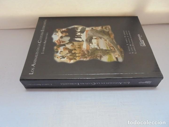 Libros de segunda mano: LOS ANIMALES EN LA CULTURA EXTREMEÑA. J.MARCOS AREVALO. EDICIONES CARISMAS. 2002. - Foto 2 - 222055413