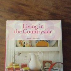 Libros de segunda mano: LIBRO. LIVING IN COUNTRYSIDE. TASCHEN. Lote 223003235