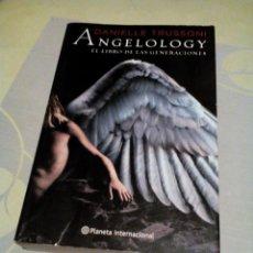 Libros de segunda mano: RES/LIBRO/LE FALTA LA TAPA/ANGEOLOGY/DANIELLE TRUSSONI/MIDE APROXI15X23CM/590PAGINAS. Lote 224381977