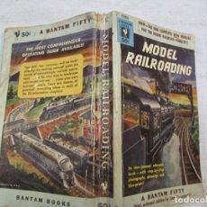 Libros de segunda mano: MAQUETA MAQUETISMO MODELISMO FERROVIARIO - MODEL RAIL DOADING - NEW YORK 1953 18X10CM + INFO. Lote 226625270