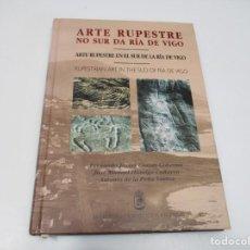 Libros de segunda mano: ARTE RUPESTRE NO SUR DA RÍA DE VIGO Q4202A. Lote 228125303
