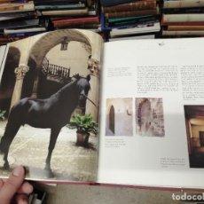 Libros de segunda mano: LLIBRE DE CAVALLERIA DE LES ILLES BALEARS ( MALLORCA , MENORCA ...) .2001. EDICIONS DE TURISME. Lote 228520635