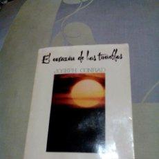 Libros de segunda mano: RDA/LIBRO VIEJO/EL CORAZON DE LAS TINIEBLAS/JOSEPH CONRAD/MIDE APROX 13X18CM,TIENE 145 PAGINAS. Lote 232738465