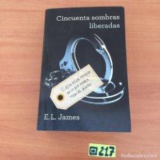 Libros de segunda mano: 50 SOMBRAS LIBERADAS. Lote 233254710