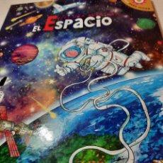 Libros de segunda mano: BONITO LIBRO JUGUETE POP-UP AVENTURA EN EL ESPACIO.. Lote 233377230