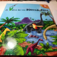 Libros de segunda mano: BONITO LIBRO JUGUETE POP-UP EL VALLE DE LOS DINOSAURIOS. Lote 233379755