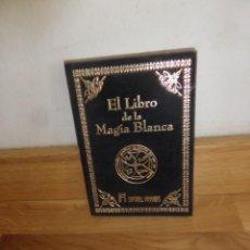 Libros de segunda mano: EL LIBRO DE LA MAGIA BLANCA - EDITORIAL HUMANITAS ( TERCIOPELO ) - DISPONGO DE MAS LIBROS. Lote 234171420