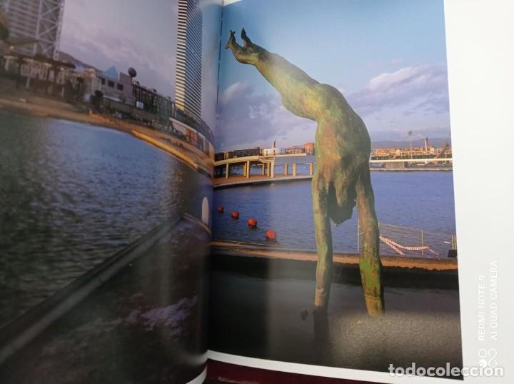 Libros de segunda mano: BARCELONA (PRÓLOGO MANUEL VÁZQUEZ MONTALBAN) 1999 FOTOGRAFÍAS PERE VIVAS & FRANCISCO ONTAÑÓN - Foto 5 - 236566905