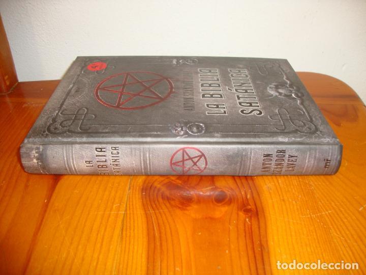 Libros de segunda mano: LA BIBLIA SATÁNICA - ANTON SZANDER LAVEY - MARTÍNEZ ROCA, MUY BUEN ESTADO - Foto 2 - 236847220