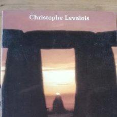 Libros de segunda mano: LA TIERRA DE LUZ. SIMBOLISMO DEL NORTE Y DEL ORIGEN. CHRISTOPHE LEVALOIS. Lote 239443235