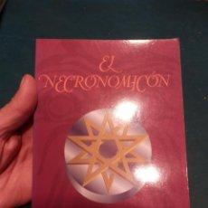 Libros de segunda mano: EL NECRONOMICÓN (INCLUYE APÉNDICE INVOCACIONES Y CITAS COMO APARECEN EL LA OBRA DE H.P. LOVECRAFT). Lote 241915130