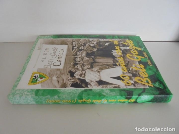 Libros de segunda mano: 60 AÑOS CON EL BETI GAZTE. 1940-2000. AYUNTAMIENTO DE LESAKA. 2000. - Foto 2 - 245217140