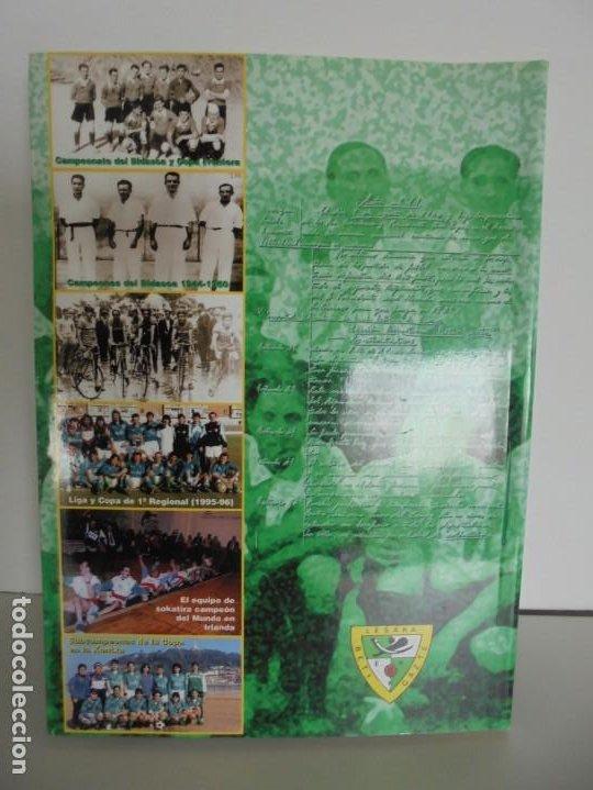 Libros de segunda mano: 60 AÑOS CON EL BETI GAZTE. 1940-2000. AYUNTAMIENTO DE LESAKA. 2000. - Foto 15 - 245217140