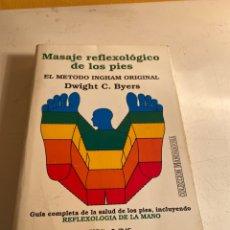 Libros de segunda mano: MASAJE REFLEXOLOGICO DE LOS PIES. Lote 247989095