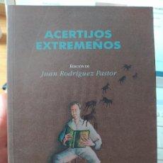 Libros de segunda mano: ACERTIJOS EXTREMEÑOS, EDICIÓN DE JUAN RODRÍGUEZ PASTOR. 2003. Lote 252426760