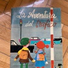 Libros de segunda mano: LA AVENTURA DEL TRAFICO. JEFATURA CENTRAL DE TRAFICO. 1963. Lote 256681605