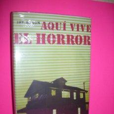 Libros de segunda mano: AQUI VIVE EL HORROR - JAY ANSON - CIRCULO DE LECTORES - ( PRECINTADO ) - ( GASTO ENVIO GRATIS ). Lote 257360380