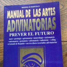Libros de segunda mano: MANUAL DE LAS ARTES ADIVINATORIAS. MARISA DI BARTOLO. EDITORIAL DE VECCHI.. Lote 260348860