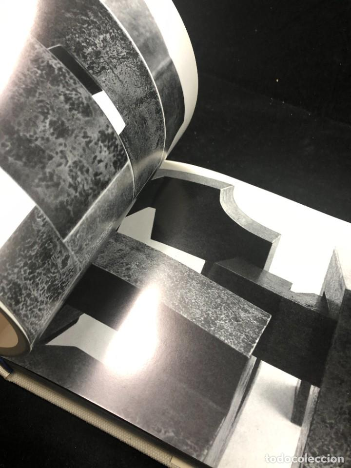 Libros de segunda mano: LOS ESPACIOS DE CHILLIDA. EDICIONES POLIGRAFA PRIMERA EDICION 1974 - Foto 12 - 261520455