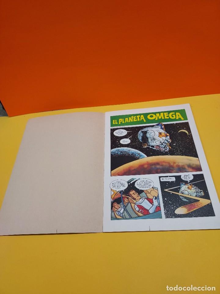 Libros de segunda mano: ERASE UNA VEZ...EL ESPACIO.....CUADERNO NUMERO 1....EL PLANETA OMEGA.... - Foto 3 - 262925470