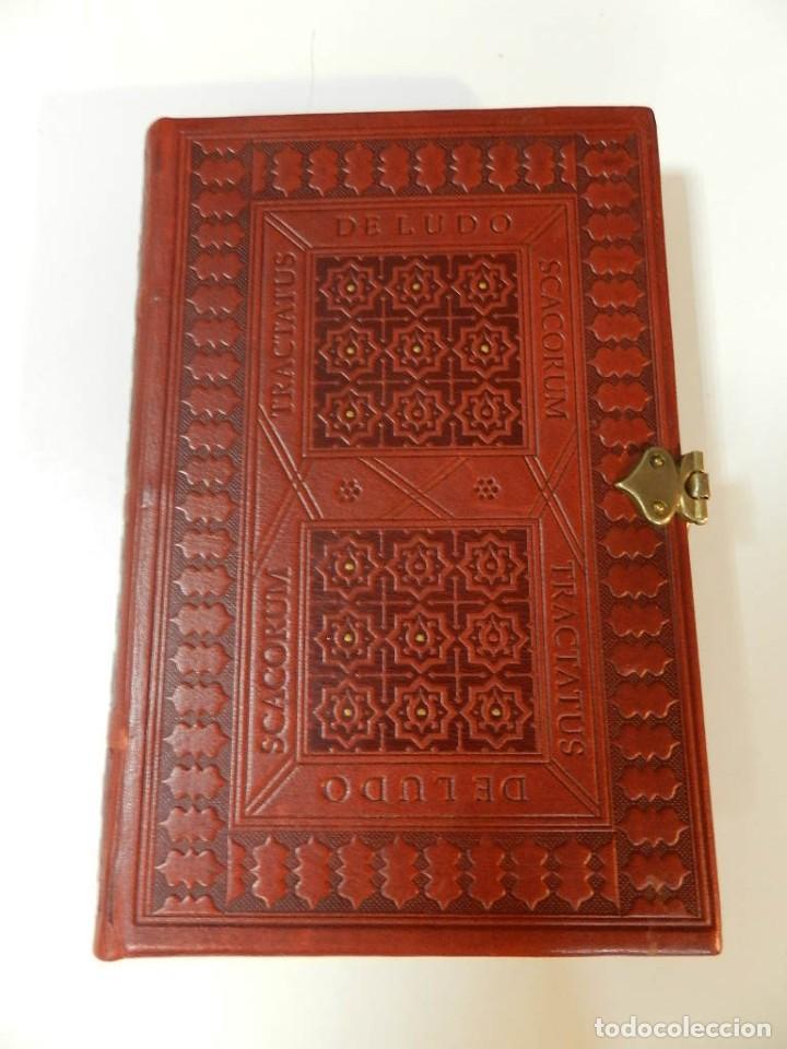Libros de segunda mano: FACSÍMIL TRACTATUS DE LUDO SCACORUM TRATADO JUEGO DEL AJEDREZ SIGLO XV ED SILOÉ 2008 ÉCHECS CHESS - Foto 3 - 268150859