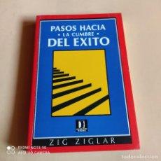 Libros de segunda mano: PASOS HACIA LA CUMBRE DEL EXITO. ZIG ZIGLAR. 1985. EDITORIAL NORMA. 307 PAGS.. Lote 268912954