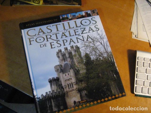 ATLAS ILUSTRADO DE CASTILLOS Y FORTALEZAS DE ESPAÑA / SUSAETA ... NUEVO ! DE LUJO (Libros de Segunda Mano - Historia - Otros)
