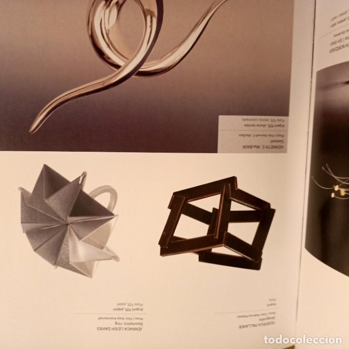 Libros de segunda mano: ANILLOS, 500 CREACIONES ARTISTICAS DE TODO EL MUNDO, NICOLAS ESTRADA, JOYERIA / JEWELLERY, 2011 - Foto 2 - 273473463