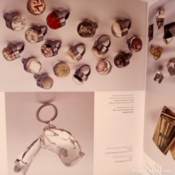 Libros de segunda mano: ANILLOS, 500 CREACIONES ARTISTICAS DE TODO EL MUNDO, NICOLAS ESTRADA, JOYERIA / JEWELLERY, 2011 - Foto 3 - 273473463
