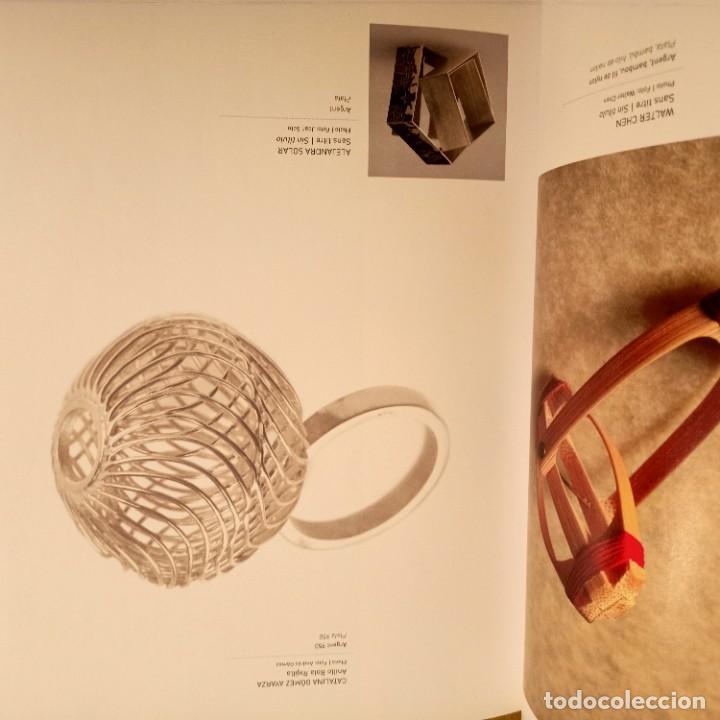 Libros de segunda mano: ANILLOS, 500 CREACIONES ARTISTICAS DE TODO EL MUNDO, NICOLAS ESTRADA, JOYERIA / JEWELLERY, 2011 - Foto 4 - 273473463
