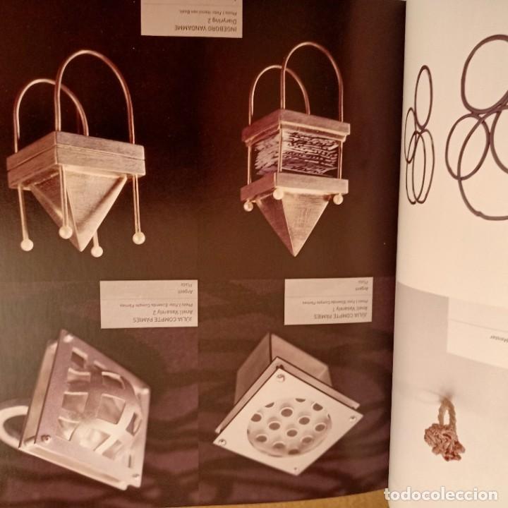 Libros de segunda mano: ANILLOS, 500 CREACIONES ARTISTICAS DE TODO EL MUNDO, NICOLAS ESTRADA, JOYERIA / JEWELLERY, 2011 - Foto 5 - 273473463