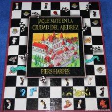 Libros de segunda mano: JAQUE MATE EN LA CIUDAD DEL AJEDREZ - PIERS HARPER - CÍRCULO DE LECTORES (2000). Lote 277204868